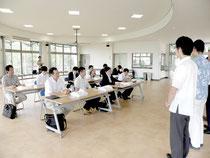 東京、名古屋、大阪などの7旅行社から担当者10人を招待した自然体験招致ツアー=バンナ公園