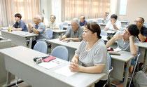 八重山明和大津波研究会の第6回勉強会が開かれた=22日夕、大濱信泉記念館