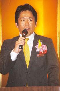 就任2周年祝賀会であいさつする中山市長(28日夜)