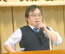 講演する安藤慶太氏(11日夜)