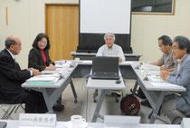 教科書問題への対応を協議した竹富町教育委員会の臨時会=10日午後、町役場