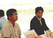 今年7月の八重山食肉センター起工式で同席した中山氏(右)と高嶺氏(左)