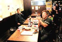 2年ぶりの登板に応援する1SHIGAKI26メンバーら=北京龍