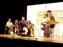 壮行公演を行った八重高演劇部=28日夜、市民会館大ホール