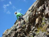 Bergführer Benedikt Purner testet den neuen Glungezer-Hütten-Klettergarten des Alpenvereins Hall