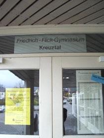 Eingang zum Friedrich-Flick-Gymnasium (Quelle: TS)