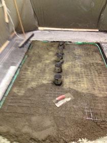 Der Schnellestrich M56 von Botament wird eingebracht  - 3 Std. Aushärtungszeit !