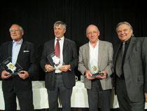 Direktor Kneifl gratuliert den Tarocksiegern 2014