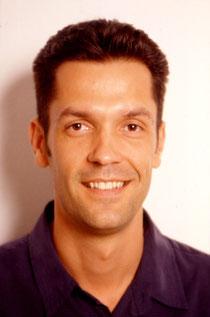 Zahnarzt in Muenchen für Wurzelbehandlung (Endodontie), Dr. Helmut Walsch