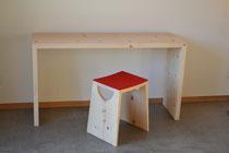 Arven Schreibtisch und Hocker