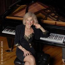 Lenore Raphael, CD Cover Shoot 2006
