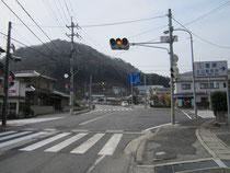 生山駐在所前の交差点