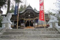 石見神社拝殿