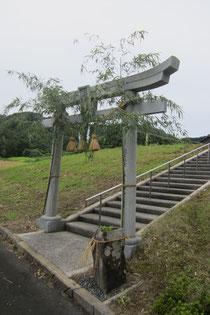 吉原神社の正面鳥居