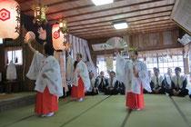 春祭 浦安の舞奉納