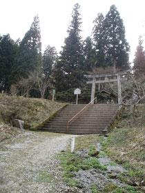 階段と大鳥居