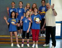 Auf dem Foto hinten v. li.: Michelle, Aliena, Rika, Pauline, Louisa, vorne v. li. Ingrid, Lisa und Marlie.