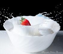 Брызги молока