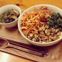 野菜たっぷり、ビビンバ用のミンチも菜食版で美味しく再現♪