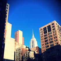 NYの抜けるような空の青さ