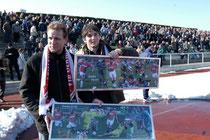 Januar 2006. Kevin Schlitte (r.) wird gemeinsam mit Erik Hartmann verabschiedet. Während Erik Hartmann seinen Karriere beendete, wechselte Kevin Schlitte damals zum FC Carl Zeiss Jena.