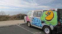 Pac Van mit Blick aufs Meer