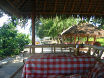 Kleines Strandrestaurant auf Gili Air in Indonesien