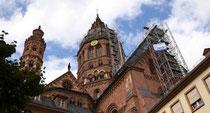 Der Mainzer Dom mit Baugerüst. Foto: Sascha Kopp