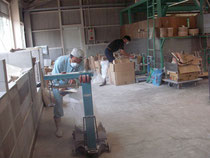 材料の計量作業