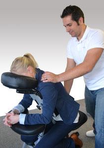Mobile Massage, Büromassage, Messemassage, Messeatraktion, Massage zu Hause