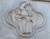 Les seize prophètes au portail occidental de la cathédrale d'Amiens.