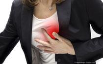 Bakteriebeläge im Mund steigern das Risiko für Herzinfarkt, Schlaganfall und andere Erkrankungen. (© zagandesign - Fotolia.com)