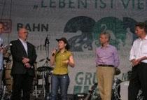 v.l.n.r.: T. Ehrke (stellv. Vorsitzender Grüne Liga Berlin), A. Bäthge, Bundesumweltminister N. Röttgen, E. Brandes (Geschäftsführer WWF)