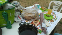 Frühstück auf dem Campingplatz Alessandro in Nea Kavala