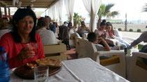 Ok, auch das ist Albanien. Weiße Vorhänge in Pizzeria am Strand von Shengjin