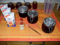 Einige Gegenstände zum einkochen