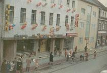 Geschäft Krefelder Str. im Jahr 1962