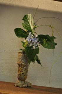 黄瀬戸シリンドロ花器