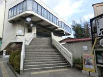 亀岡会館:現在も落語会などが時々開催されています。