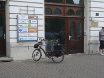vor der BUND-Geschäfts-stelle in Magdeburg