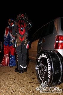 Robogugg meets USA - Alle Kostüme der Geslach-Gugga waren am Jubiläum zu sehen