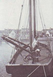 Le Cachalot dans le port de Roscoff photo publiée dans la Mer en 1925