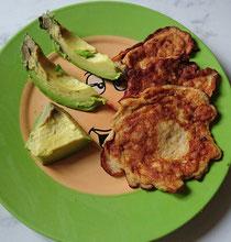 BLW Baby Led Weaning BabyLedWeaning Beikost breifrei Rezept Frühstück Omlette Banane Avocado Rezepte