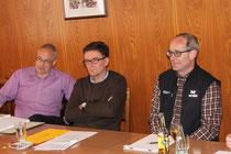 Die Teilnehmer am Sessionshöck: Ernst Dobler, Oberuzwil, Raphael Kühne, Flawil, Bruno Cozzio, Henau (von links). Moderiert wurde der Anlass von der Uzwiler Gemeinderätin Christine Wirth.