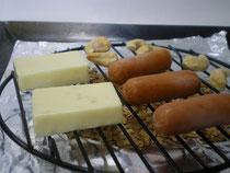 アツアツ鉄板スモークチーズオサエちゃん
