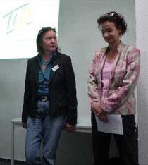Sabine Daniel (rechts), Cornelia Aukslat-Bölk vom TIO (links)