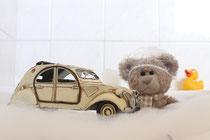 Teddybär mit Badeente