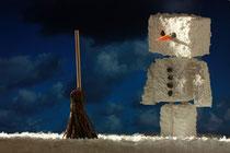 Schneemann mit Besen