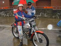 2008: Arthur Browning auf Jawa 500 und Sammy Miller beim Start. image: www.twnclub.ch