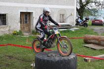 Steinbach 2011: Die Fahrtechnik stimmt, ein solcher Reifen kann erstmals problemlos bewältigt werden. Archiv: Hüttinger
